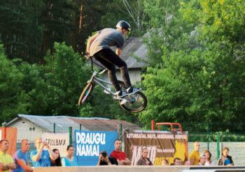 Druskininkuose su trenksmu praūžė ekstremalaus sporto festivalis HOLY PINE