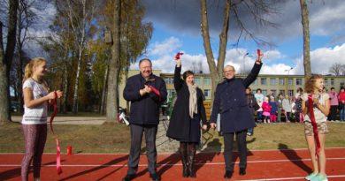 Gera žinia sporto entuziastams – ir Leipalingyje atidarytas naujas stadionas (video)