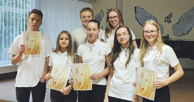"""Iš solfedžio festivalio-konkurso ,,Kelionė į muzikos šalį'2018"""" – su diplomais ir padėkomis"""