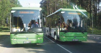 Mokiniams – lengvata važiuoti ne tik miesto viešuoju transportu, bet ir priemiestiniais autobusais